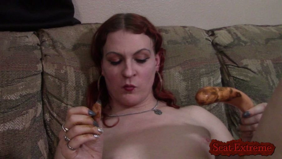 Transgirl Lycha FullHD 1080p Licking a shitty dildo [Big Farting Girls, Poop Videos, Smearing, Solo, Toys, Amateur]