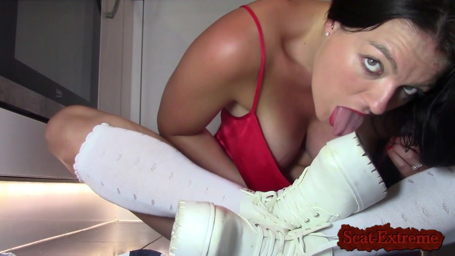 Evamarie88 FullHD 1080p Piss And Shit In Ankle Boots [Piss, Efro, Pee, Farting, Poop, Solo, Milf]