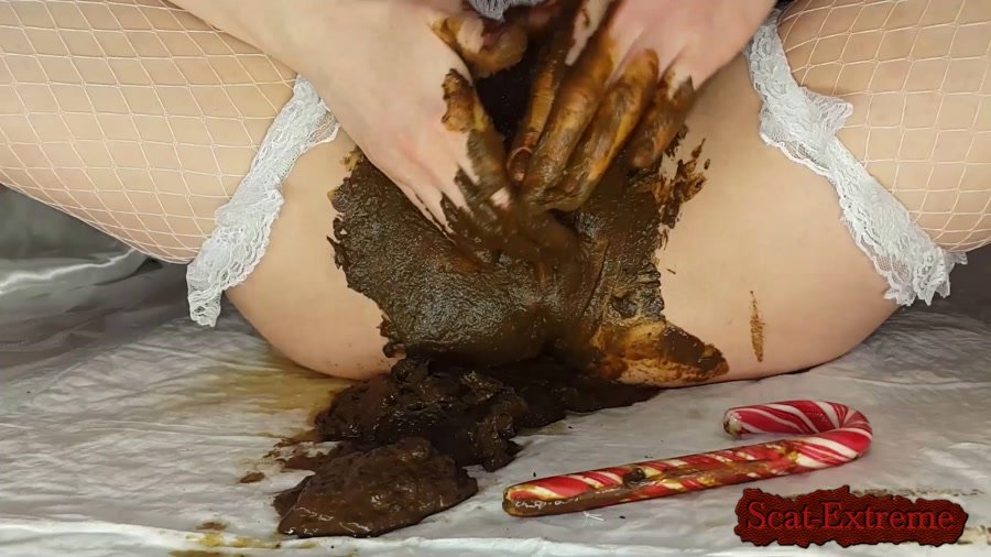 Anna Coprofield FullHD 1080p Christmas Scat Porn - Santa Anna comes to Bad Boys only [Solo, Shitting, Scatting, Masturbation]