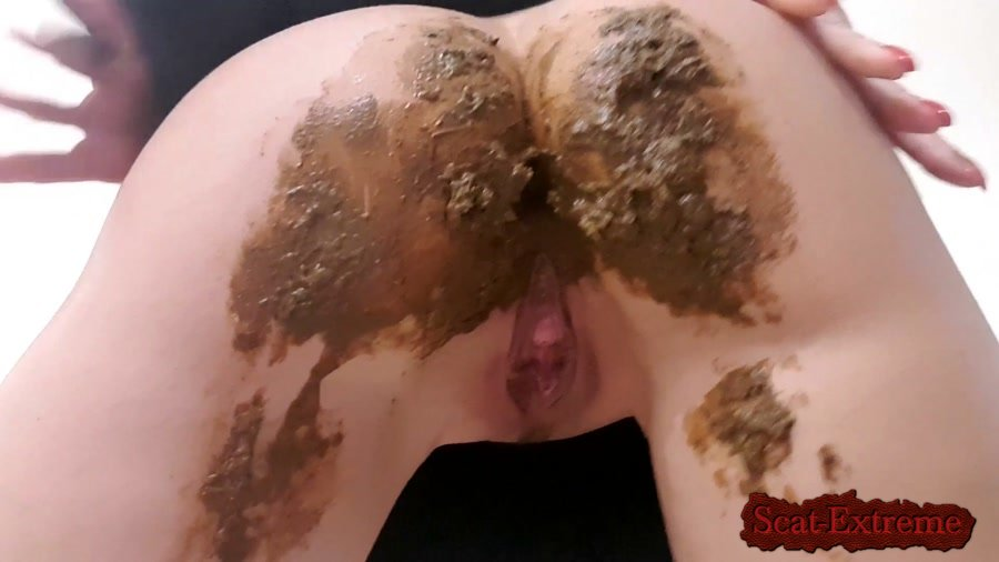 thefartbabes FullHD 1080p Painter's Accident [Panty Scat, Panty, Poop Videos, Scat, Solo]