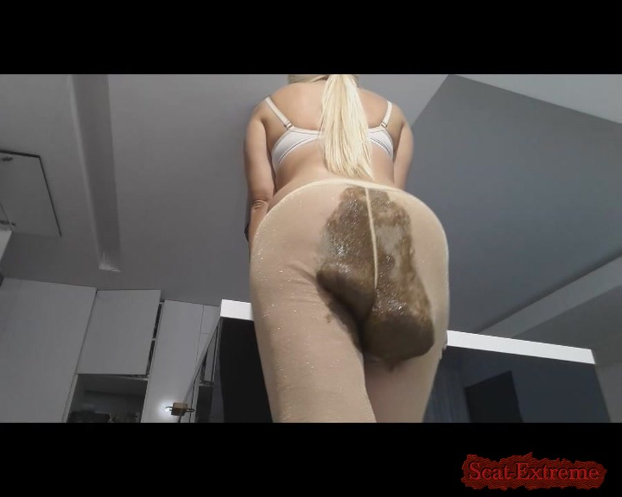 thefartbabes SD Golden Tights Crazy Poop [Panty Scat, Panty, Panties, Poop Videos, Scat, Smearing, Solo]