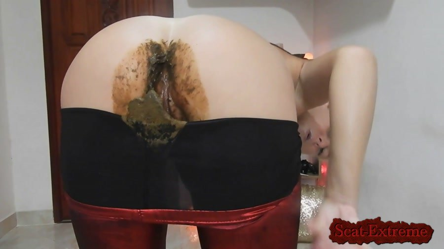 MissAnja FullHD 1080p Nasty Nasty Red Shiny Leggings Poo/Farts [Poop, Defecation, Extreme Scat, Scatology, Solo, Panty]